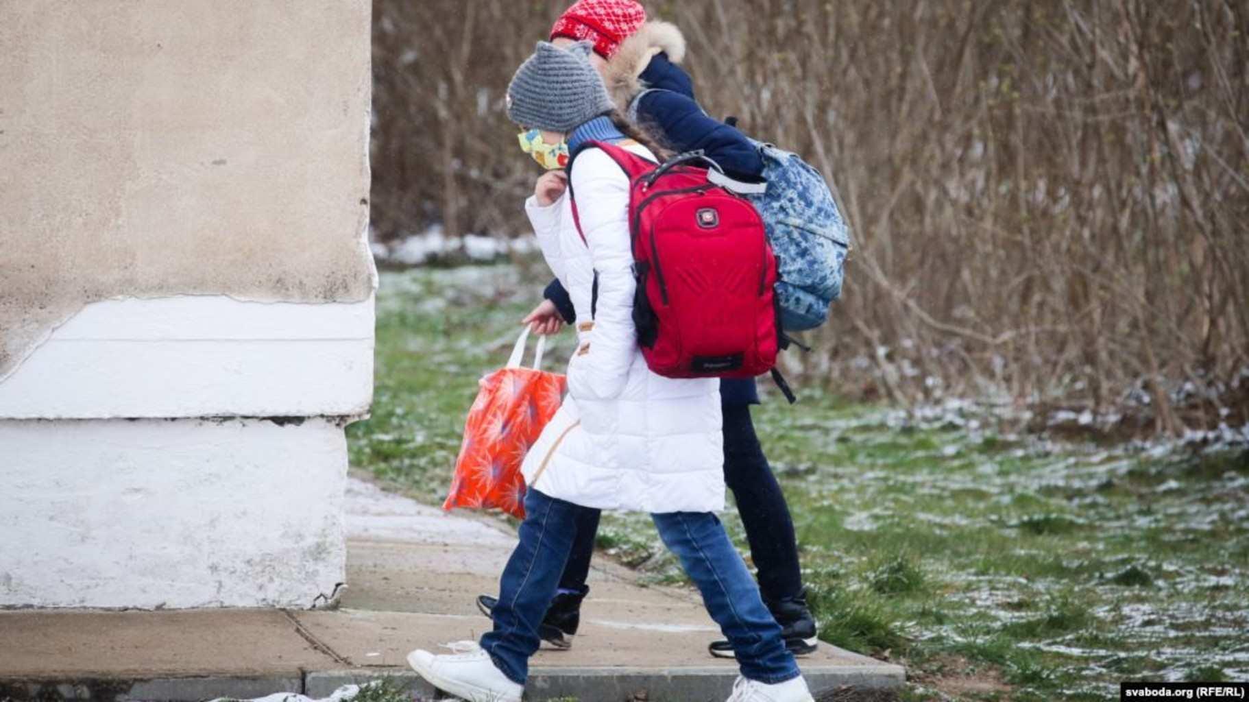 Учителя: приказали, чтобы после выходных все дети вернулись в школы