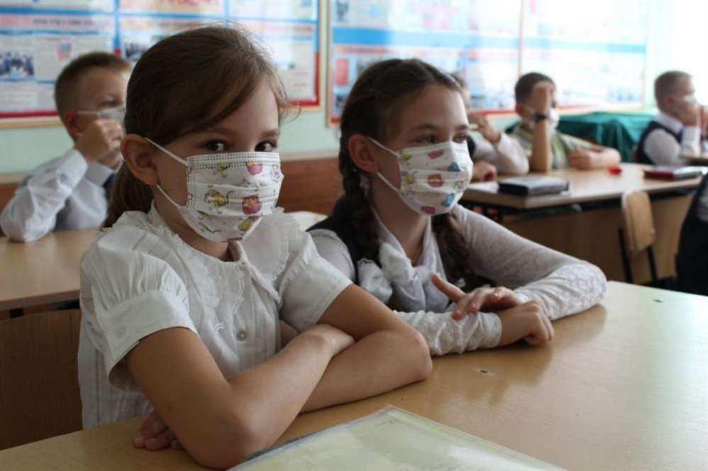 В Докшицком районе, где свирепствует коронавирус, власти хотят загнать детей в школы