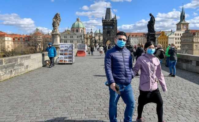 Чехам можно без теста на коронавирус ездить в 7 стран ЕС