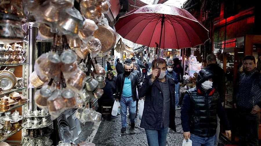 В Турции вновь ввели комендантский час из-за коронавируса