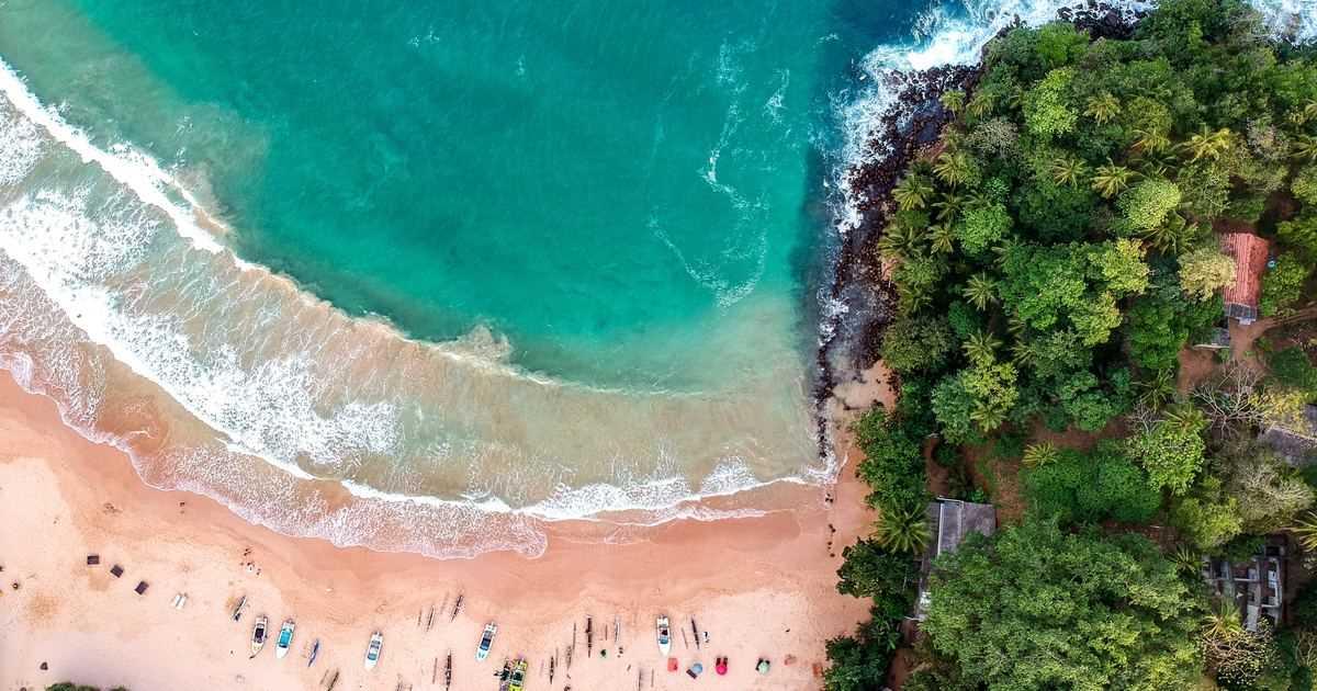Бали откроется для иностранных туристов с октября