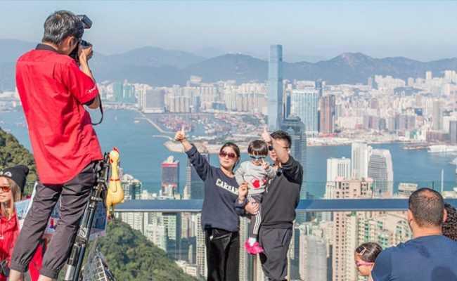 Гонконг хочет создать туристические пузыри с странами соседями