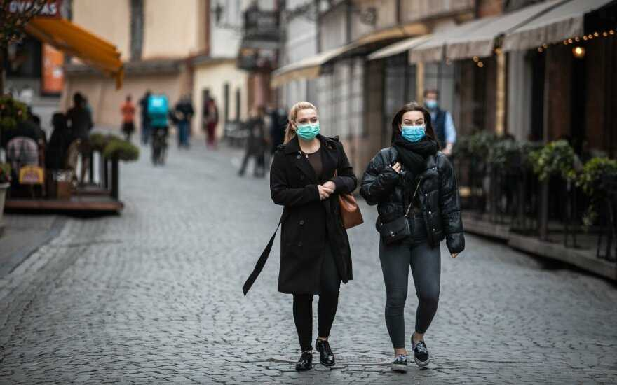 Литва откроет границы для стран, где коэффициент коронавируса не выше 25. А в Беларуси — почти 140